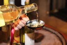 勝沼ぐるっとワイン紀行 ワイナリー併設レストランでフレンチランチ&ソムリエ気分で約200種のワインをテイスティング♪