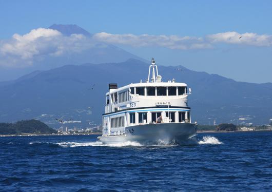 海と山の欲張り旅♪富士を望む2大絶景!駿河湾ミニクルーズ×富士見テラス&海鮮浜焼き食べ放題♪