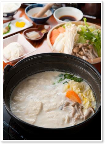 嬉野温泉名物の口の中でとろける!温泉湯豆腐定食と嬉野温泉