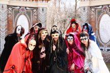 仮面舞踊会へようこそ♪ 箱根ガラスの森『ヴェネチア仮面祭』といちご狩り&箱根海賊船で芦ノ湖クルージング