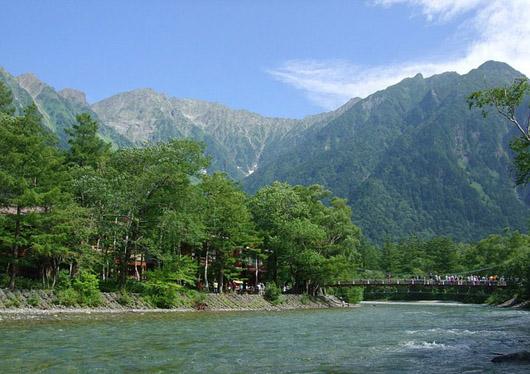 全日程出発確約!日本屈指の山岳リゾート上高地・飛騨名物お弁当付 日帰りバスツアー