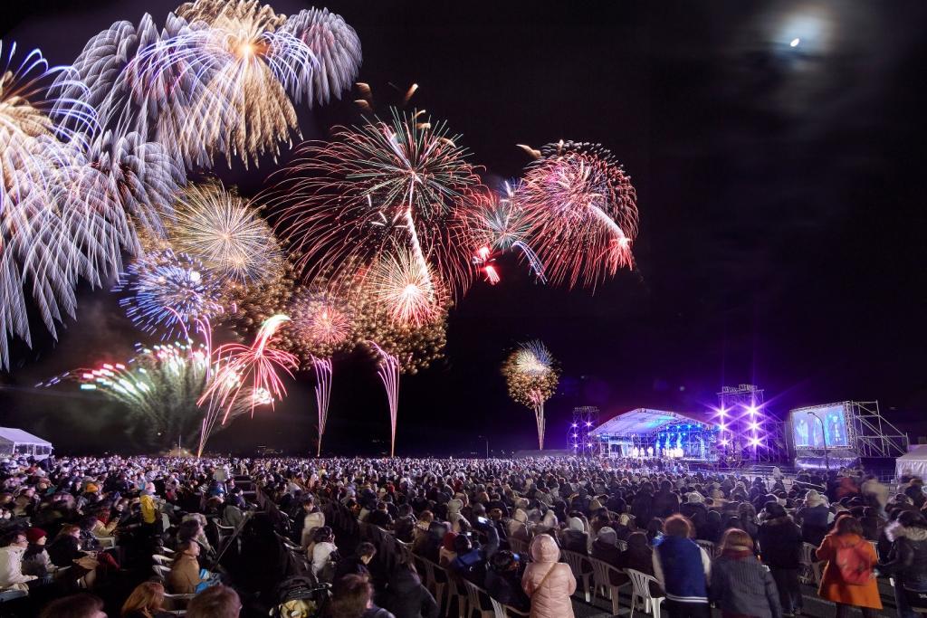 ●【博多発着】日帰りバス旅 年越し&新年の幕開けはハウステンボスで決まり!日本最大級の大花火&スペシャルライブ 2017→2018カウントダウン IN ハウステンボス