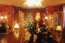 ロックハート城のサンタミュージアムとローストチキンランチでhappyクリスマス♪オリジナルグラスを作ろう!サンドブラスト体験&400万球のイルミネーション「光の花の庭」☆