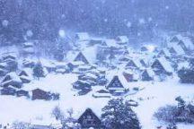 オリオンツアー45周年記念!自由昼食のお値打ちプラン!おとぎ話に出てきそうな雪景色を散策・自由気ままに高山食べ歩き日帰りバスツアー