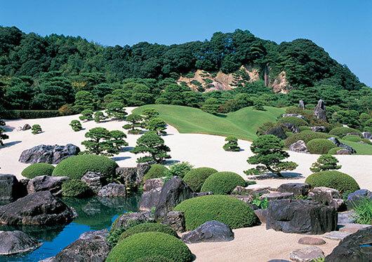 開館50周年!世界が認めた日本の美!人生で一度は訪れたいスポット『足立美術館』(入館券付)【滞在時間:210分】