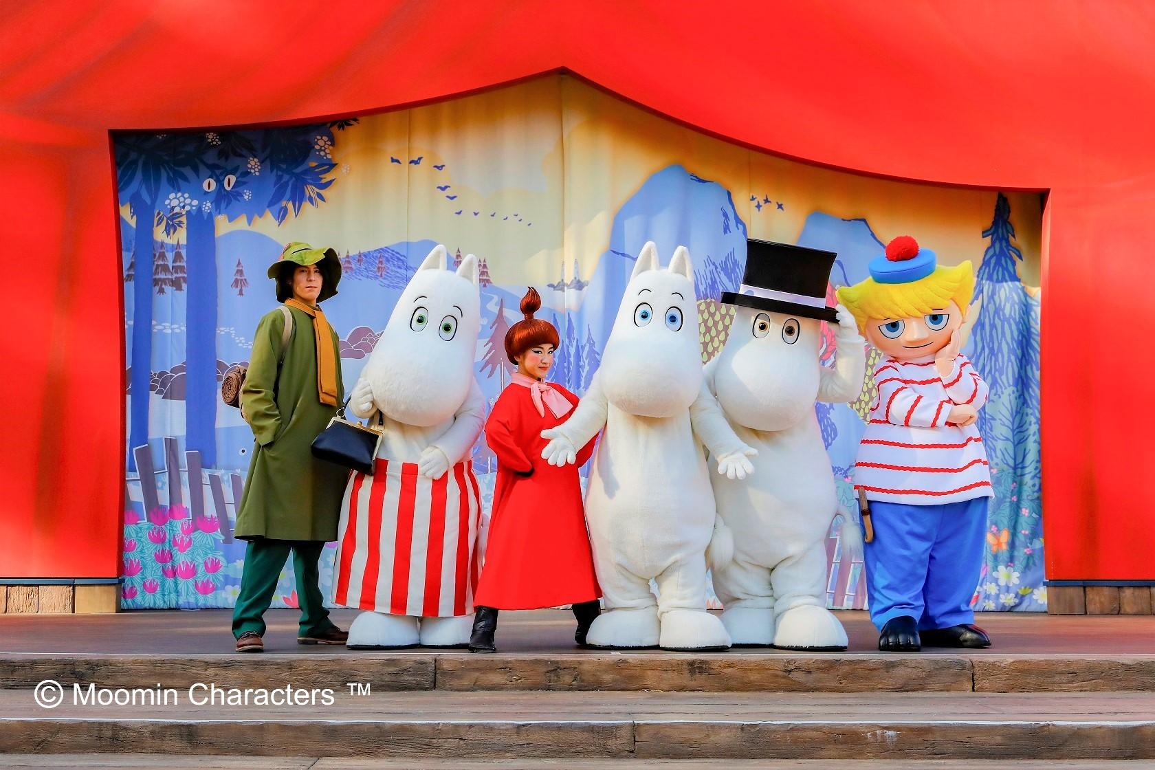 北欧童話の世界を体感♪日本最大級【アンブレラスカイ】開催中の『ムーミンバレーパーク』とメッツァビレッジ散策&三井アウトレットパーク入間ゆったりショッピング