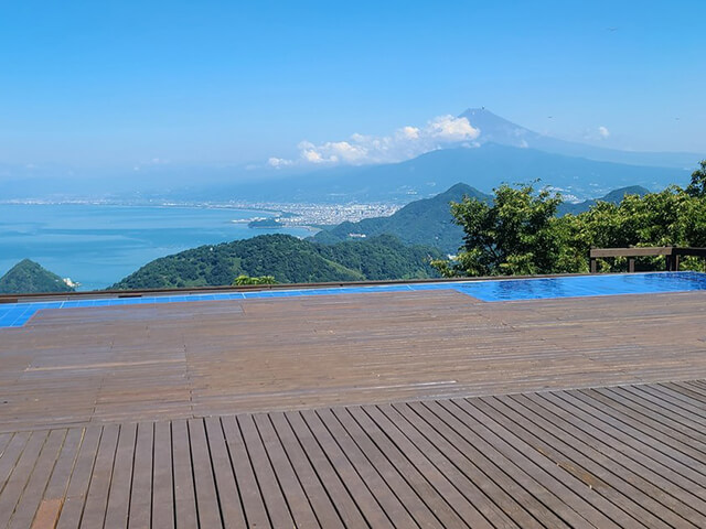 空中絶景!大パノラマ!富士と海を眺めるスポット♪伊豆パノラマパーク『碧テラス』&御殿場プレミアム・アウトレットでお買い物を満喫♪